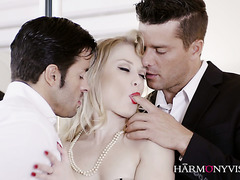 Erotic blonde girl Ash Hollywood getting spit roasted