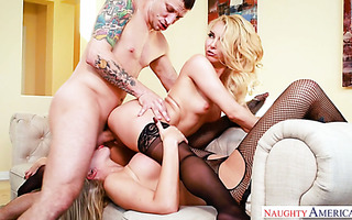 Two mature blond pussies of Aaliyah Love and Nina Elle for one stiff fat cock