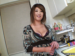 Amateur housewife Miwa Nishiki gives dude a head after feeding him
