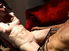 Леа Лексис занимается грязным сексом с известным изврой Рокко Сиффреди
