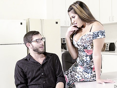 Dumb and busty office hoe Mercedes Carrera seduces young accountant on lunch break