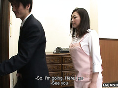 Obedient housewife Maya Sawamura turns into cheating whore when hubby leaves