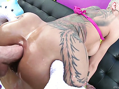 Freaky MILF Bella Bellz is fucked rough in her huge silicone butt