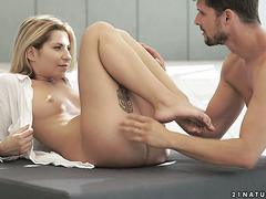 Enamoring blondie Katy Hill is eaten and mish fucked to orgasm