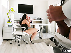 Thick secretary Rachel Starr satisfies her cocky boss