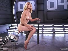 Аппетитная блонди Лили Лабо мастурбирует могучей трах машиной