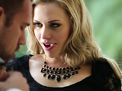 Buff buddy treats blonde babe Mia Malkova with unforgettable sex