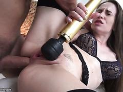 Русская красавица Энджел Раш испытывает череду анальных оргазмов