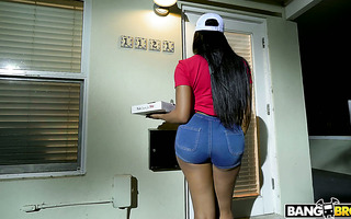 Delivery girl Moriah Mills shakes her black booty for tips