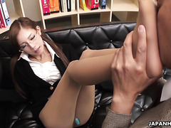 Secretary Ramu Nagatsuki gives boss a footjob in the morning