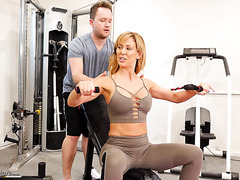 Sporty MILF Cherie DeVille seduces GYM boy
