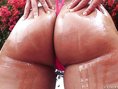 Candide Dare shakes her big fat ass on a well hung cock