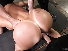 Slave Richelle Ryan bounces her giant mature booty