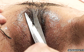 Amateur Asian girl gets a pussy haircut and fucked hard after