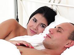 Леди Ди жаждет истинной любви и наслаждения ранним утром