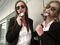 FBI agents Tina Kay and Veronica Leal in hot anal threesome