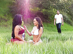Mature divas Lisa Ann and Raven Hart share BBC in the wild