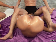 Skinny AV idol Riana Saotome is toyed to explosive squirting