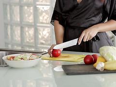 Redhead housewife Shona River skips on breakfast to make love