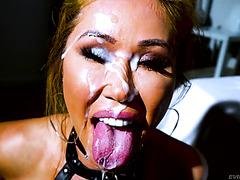 Грудастая азиатка Кианна Диор принимает пол литра спермы на лицо