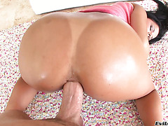 Diamond Kitty's big tanned Cuban booty is dicked and licked