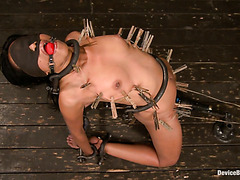 Redbone Yasmine De Leon reaches painful orgasms during rough BDSM session