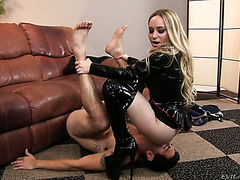 Bossy blondie Aiden Starr finds a great human chair