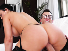 Voluptuous MILF Jasmine Jae makes nerdy stud cum two times