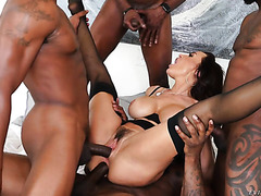 Lisa Ann's MILF holes get DPed in interracial DP gang bang