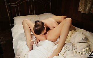 French and British babes toying and eating their pussies out