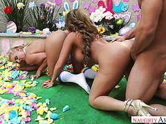 Trying to be cute MILFs Phoenix and Richelle got smashed in threesome