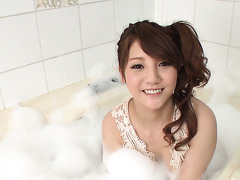 Cute Rei Mizuna takes a bubble bath and sucks him off